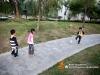 小区里踢足球