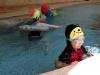 卡卡爱游泳